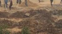 信阳潢川县仁和镇开发商带100多号社会青年强占土地爆打村民