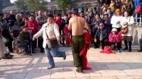 天津水上公园:搞笑花絮(3)裸男与女游客的趣事儿~