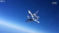 俄罗斯苏-30战机护航图-160在地中海上空发射巡航导弹