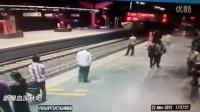 印度地铁站自杀事件