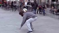 C罗扮流浪汉街头耍高超球技惊呆路人