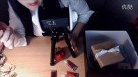 English ASMR Unboxing gift from US friend and free talking! XD