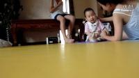 2015-8-5 和妈妈在玩耍