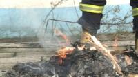 真人实测!消防服能防多大的火?