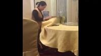 酒店服务员被偷拍,真恶心!一定要曝光