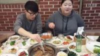 1109韩国吃播,吃出个未来·韩国女主播吃货韩国吃播吃饭直播真的是什么都吃,大胃王减肥美食视频美食人生大学生做菜
