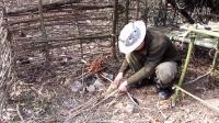 (旧版)野外生存技巧:制吃木炭解毒和刷牙荒野求生