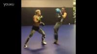 格锐搏击会馆-菲利斯训练摔法和打击技