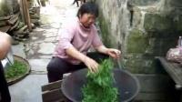 手工炒绿茶----婺源小巷子内家庭作坊式加工
