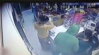 男子持枪抢劫,被猎枪爆头击杀