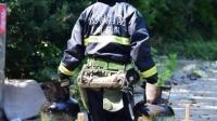 非法液化气罐装点爆炸消防员火中抢险