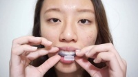 美国创新「牙托式牙齿美白」日常妆升级必备(美妆教程美啦影片)