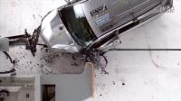 2016丰田汉兰达小重叠IIHS的碰撞测试