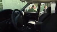普京视察军车 车门把手被扯掉了 CPNTV