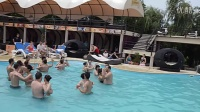 Rueda de Bachata in piscina la Atlantis