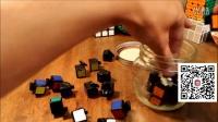新技能get√ 如何把一个魔方完好的放进一个瓶子里?