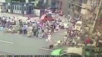 女司机驾车冲入人群致1死7伤 警方:非酒驾毒驾