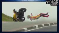 曼岛TT往年摔车实录,吓死了。