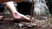 【原始技术】教你钻木取火并烧纸泥土碗 @柚子木字幕组