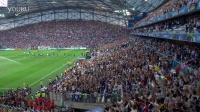 2016欧洲杯 法国VS德国 赛现场球迷玩起了冰岛队的维京吼阵