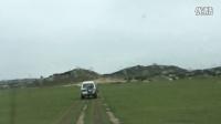 越野车深入草原