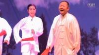 石河子国民村镇银行艺术团慰问东野镇表演戏曲联唱