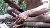 澳洲小哥野外求生技能(第2集):从零造石斧_高清