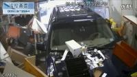 监控实拍:SUV加油站失控 直接冲进便利店...