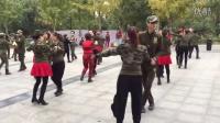 北京槐新公园与马王爷同跳第二套(北京水兵舞)