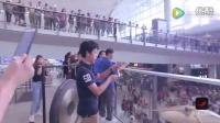 网罗天下 香港青少年管弦乐团机场快闪 全程高燃最后直接飙泪   di