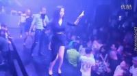 Quẩy Tung Bar Cùng Nữ Cơ Trưởng Xinh Đẹp - DJ Nonstop 2017 - Nhạc Sàn
