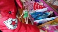 亲子过家家玩具08 芭比娃娃换装公主造型 巴比娃娃套装大礼盒梦幻衣橱儿童女孩玩具换装公主婚纱衣服 开心时刻与玩具介绍2016 小猪佩奇与芭比娃娃的游乐场