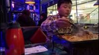 《烤鱼二》饭吃吃货爱美食中国大吃货吃烤鱼香辣烤鱼