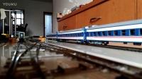 火车模型事故-SS1牵引绿皮出轨