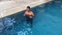 梦觉教游泳.仰泳入门4.仰泳腿和换气的配合练习