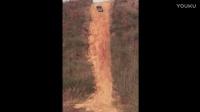 实拍武汉越野车陡坡冲山顶失败,翻滚下山