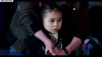 小女孩遭黑衣人绑架,结果撞见她,悲剧了!