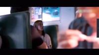 火车上遇小偷,男子被抢不敢吱声,旁边小姑娘不干了