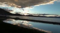 西藏阿里班公湖日落晚霞火烧云