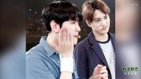 [韩流御宅] EXO成员边伯贤边弹边唱首尔的月亮 御宅视频