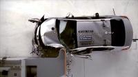「15款起亚K3」时速64公里/小时,正面25%偏置碰撞测试 美国IIHS