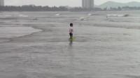 金銮湾-踏浪