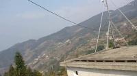 【小莫】家乡风景 大山里面的人家  真是群山环绕