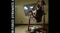 美国研制的逼真赛车游戏机