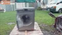 太疯狂拉!看如何彻底摧毁一台洗衣机