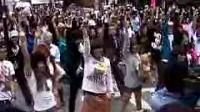 9月23日东京街头惊现麦当娜歌迷快闪族!引来万人围观!