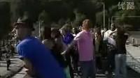 【猴姆独家】震撼!比利时列日市惊现4000名迈克尔杰克逊快闪歌迷!声势浩大!全民参与!