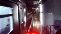 北京地铁4号线列车出公益西桥起点站