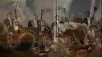 卡拉扬指挥柏林爱乐乐团演奏贝多芬第一交响乐