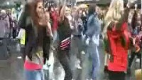 【猴姆独家】超赞!挪威老城卑尔根上千迈克尔杰克逊歌迷齐跳Thriller!